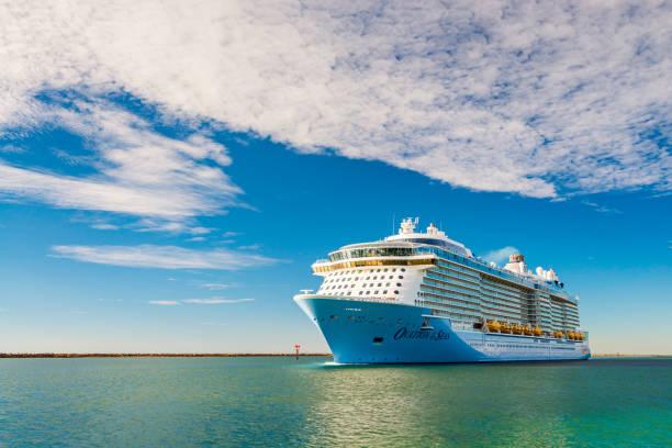 Crucero MS Ovation de los mares - foto de stock