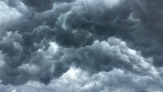 Yağmur Bulutu Bardak Kafasına Hava Değişikliği Stok Fotoğraflar & Arka planlar'nin Daha Fazla Resimleri