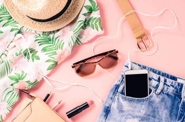 fotografía tomada desde arriba de mujer ropa informal - moda de verano fotografías e imágenes de stock
