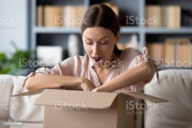 Overjoyed mum and daughter unpack internet order picture id1200561596?b=1&k=6&m=1200561596&s=612x612&h=68ikew1savu3int bzzcr q0j z2aedcm6 y b 0hli=