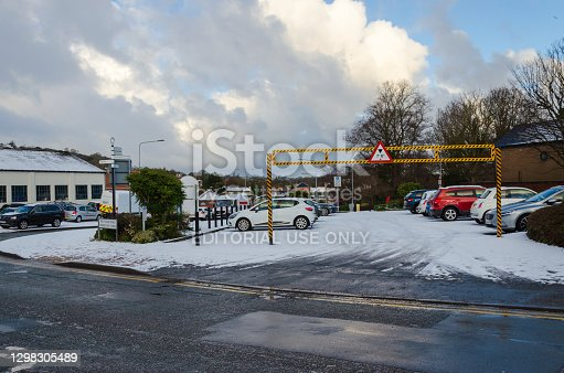 istock Overnight snow fall left a covering of snow in Holywell 1298305489