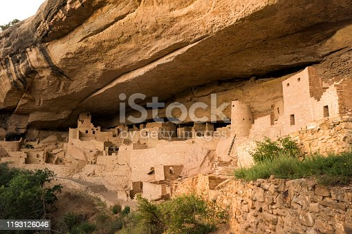 Cliff Palace, an Ancient Puebloan (Anasazi) cliff dwelling that was inhabited until the 13th century, Mesa Verde National Park, Colorado, USA