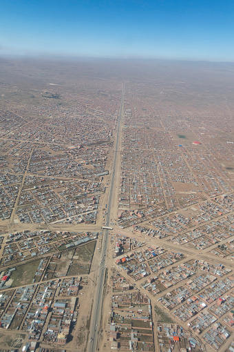 istock Overview of the city of El Alto, the second city of Bolivia after La Paz. Built spontaneously in the Andean high plateau, it is 4150 meters high. 949849114
