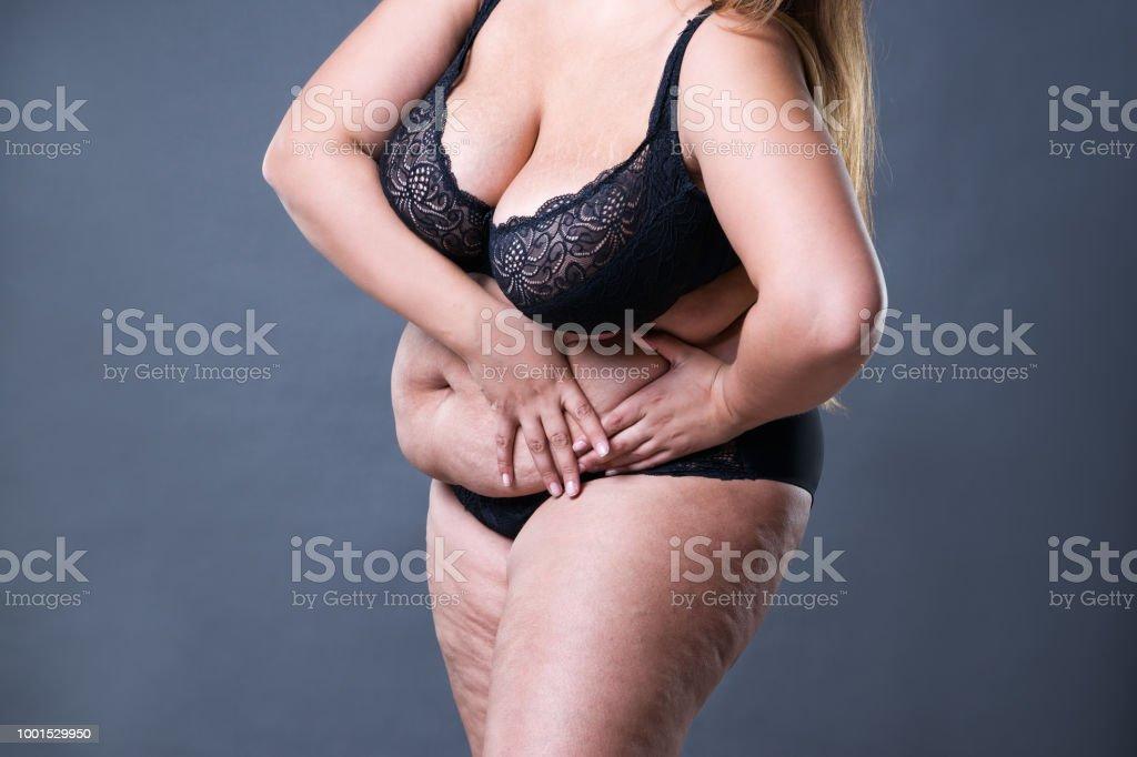 Frau über 50 bauch