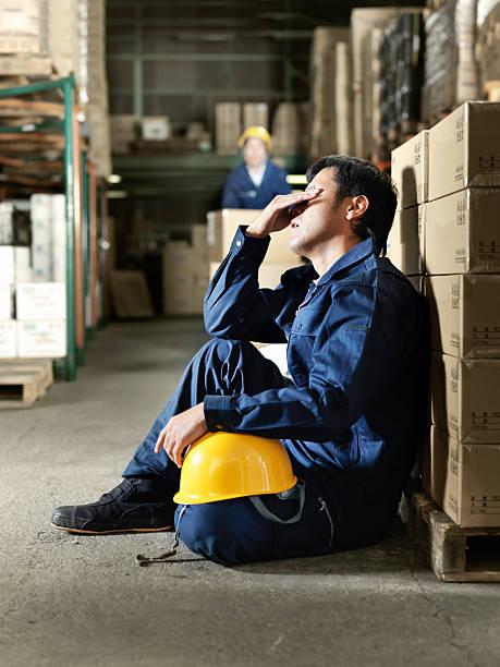 働きすぎ、日本の労働者 - 建設作業員 ストックフォトと画像