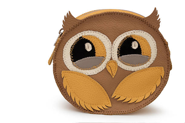 owl - leather clutch bag - handtasche eule stock-fotos und bilder