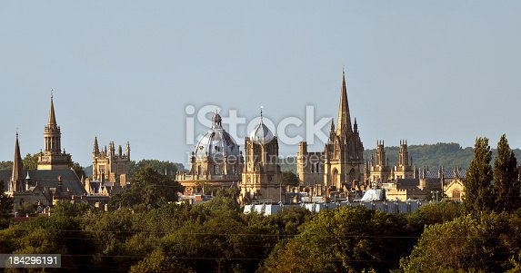 istock Oxford Dreaming Spires 184296191