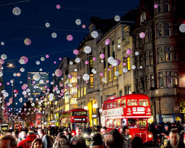 Camino de Oxford en la noche con luces de Chritmas, Londres - foto de stock