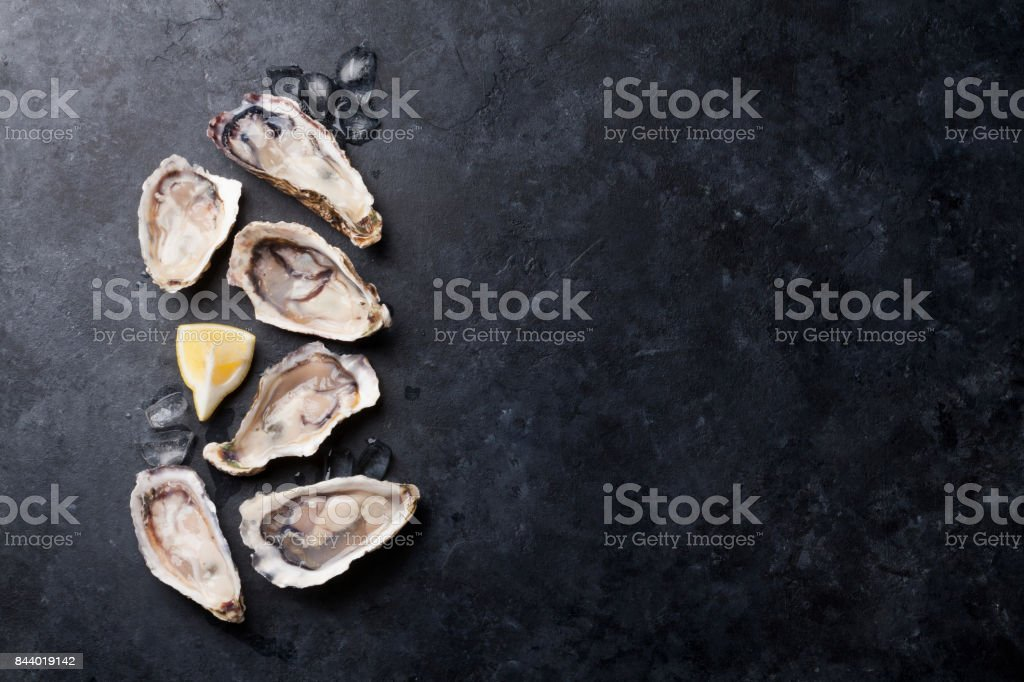 Austern und Zitrone – Foto