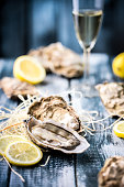 Oysters with lemon
