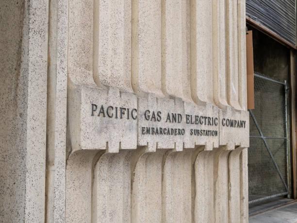 pacific gas & electric (pg&e) location located in san francisco embarcadero - oceano pacifico foto e immagini stock