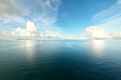 伊良部橋から見た太平洋・宮古島・栗間島