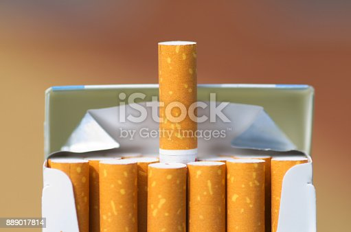 istock Pack of cigarettes 889017814