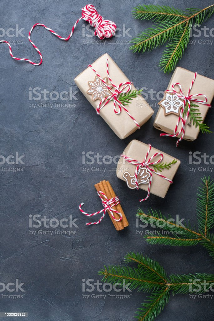 Packing Christmas Gifts Christmas Gift Boxes And Decorations Pine