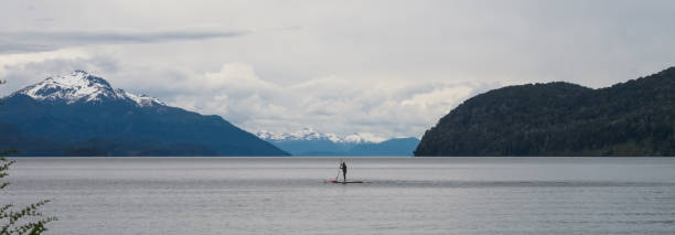 paddle boarder - stephen lynn stock pictures, royalty-free photos & images