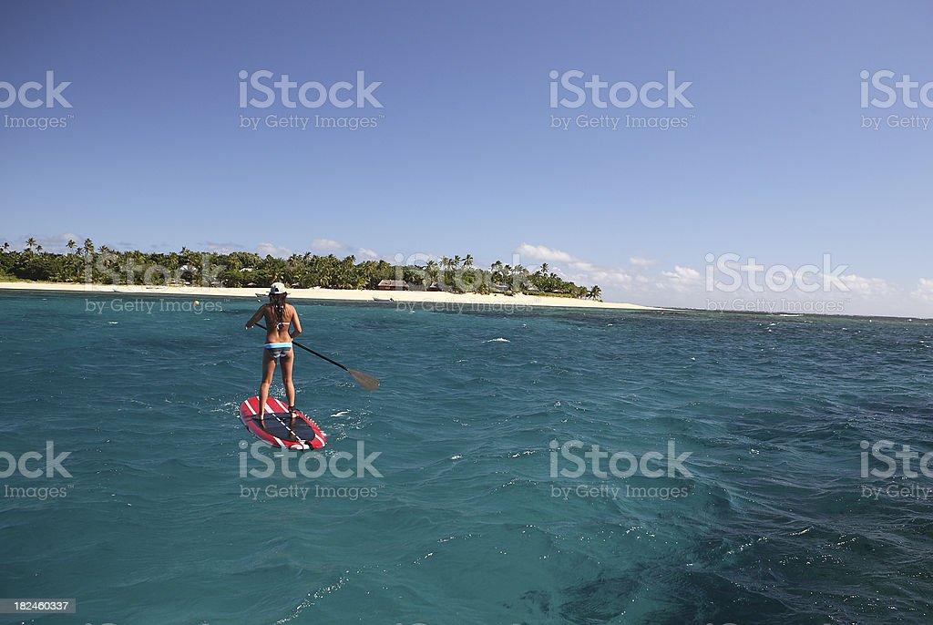 De remo en dirección a la isla foto de stock libre de derechos