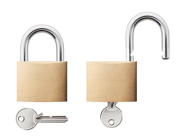padlock with key open and closed - hangslot stockfoto's en -beelden