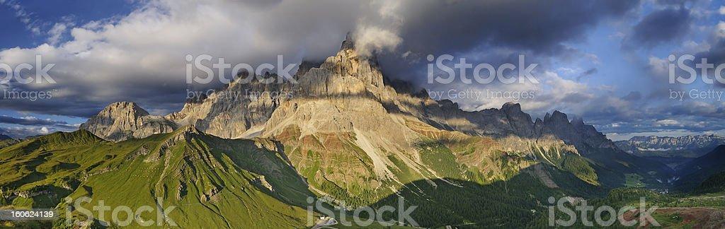 Paesaggio Montano (Pale di San Martino - Dolomiti, Italia) stock photo