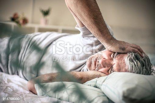 istock Pain in head. 914768030