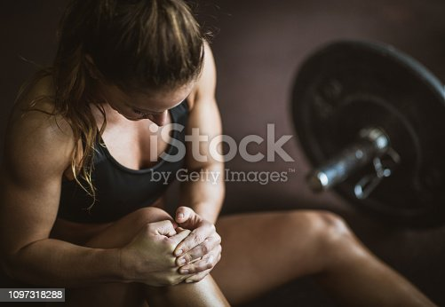 istock Pain in knee on sports training! 1097318288