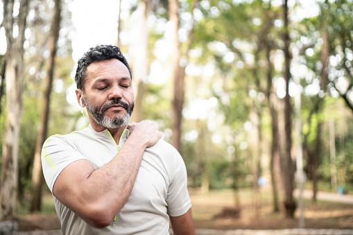 Pain shoulder after workout