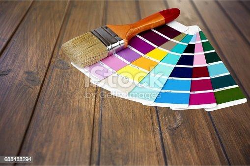 istock Paint. 688488294