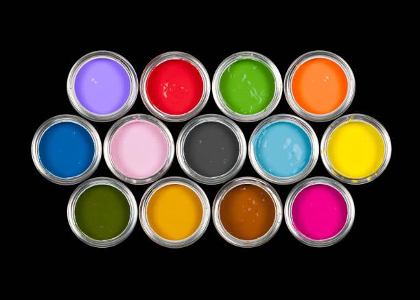dosen farbe auf schwarz - zinn farbe stock-fotos und bilder