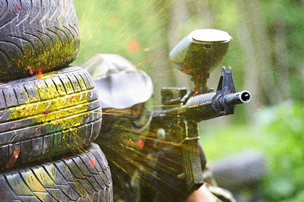 paintball Spieler unter gunfire – Foto