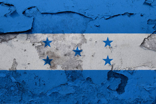 pintada de la bandera nacional de honduras en un muro de hormigón - bandera de honduras fotografías e imágenes de stock