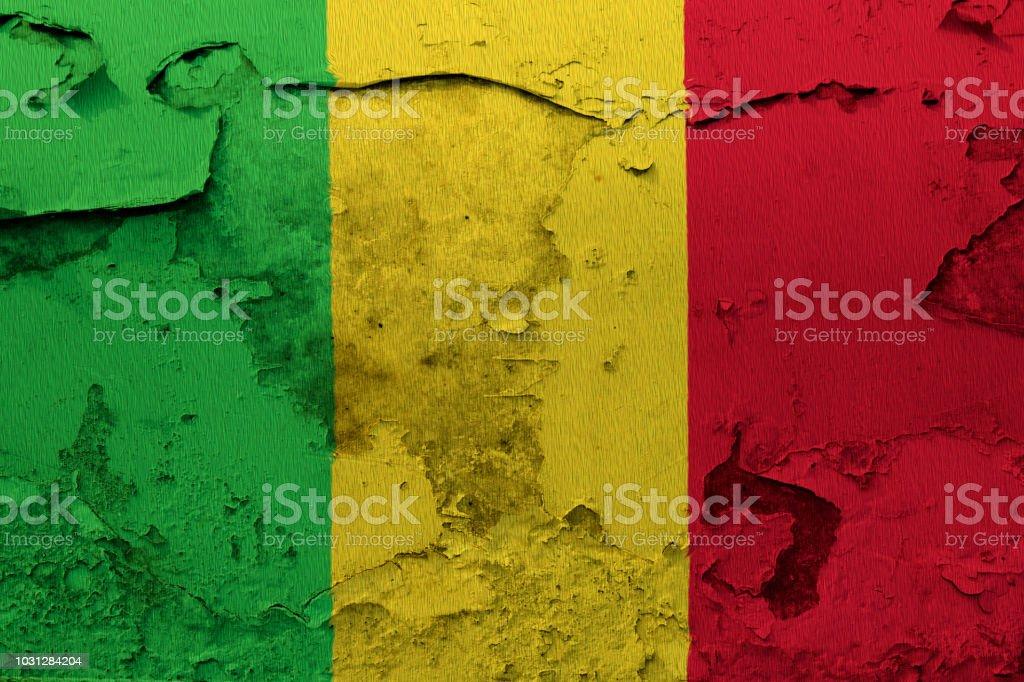 Pintou a bandeira nacional do Mali na parede de concreto - foto de acervo