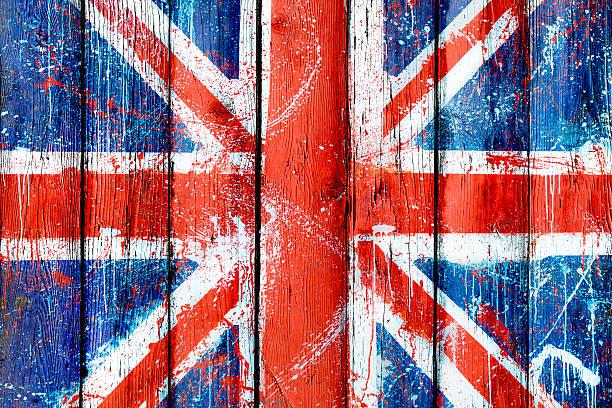Malte aus Holz Wand oder Zaun mit Graffiti der britischen Flagge – Foto