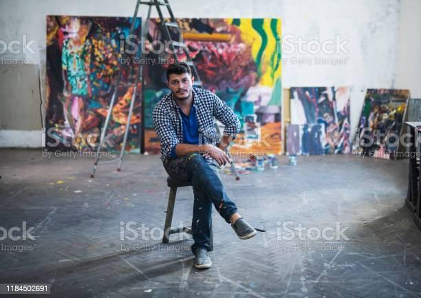 Painter artist portrait in studio picture id1184502691?b=1&k=6&m=1184502691&s=612x612&h=qm6xe1w22vqkbruvtvcwvtgujyhvy0f4tpbykvpsei4=