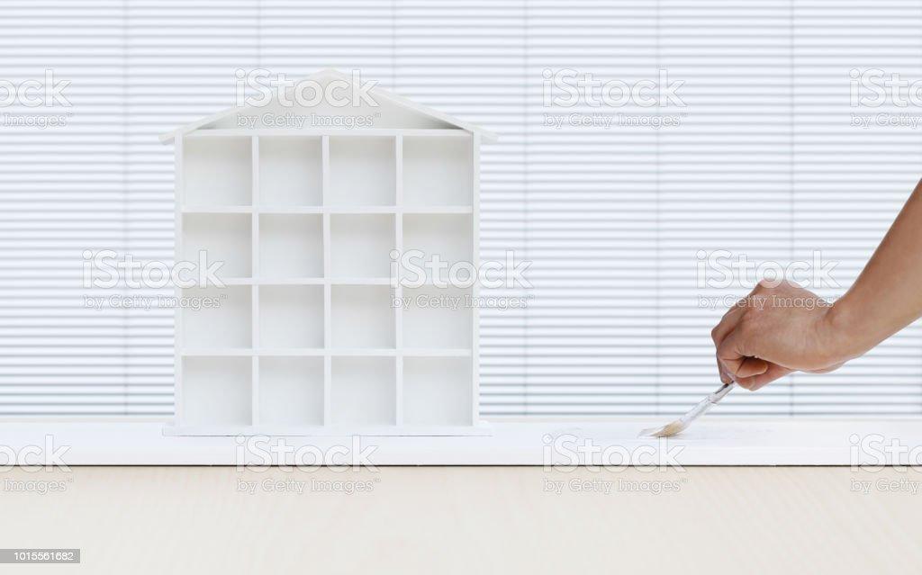 Main De Lu0027homme Du Peintre Peinture Brosse MODELE Maison Peinture Blanche à  Bord,