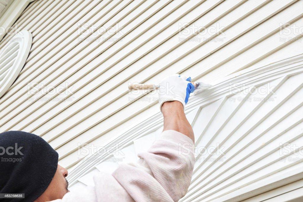Peintre peinture de l'extérieur de style résidentiel à la maison - Photo