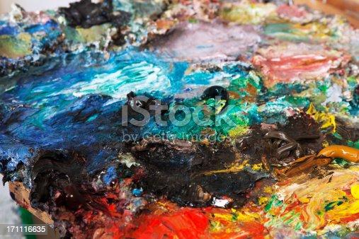 504223972istockphoto Painter's pallet . 171116635