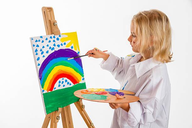 malen mädchen - naive malerei stock-fotos und bilder