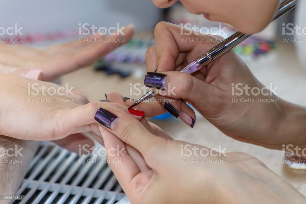 Painting Nails In Nail Salon Uv Lap Of Quick Dry Nail Polish Ma ...