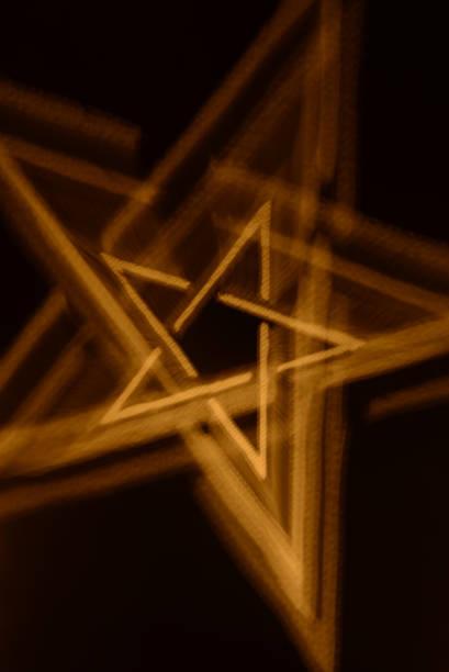 malerei mit leichtem pentagramm - kult stock-fotos und bilder