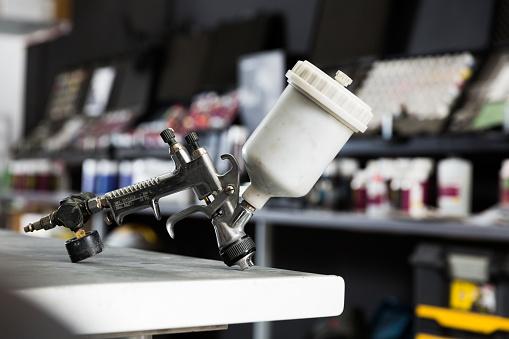 istock Paint-spray gun 1008238172