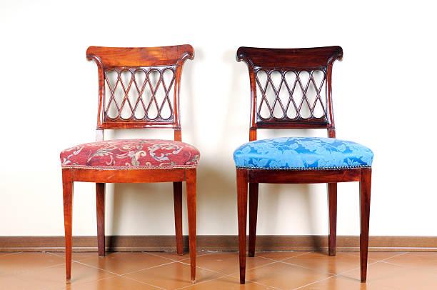 vintage-stühle - sessel türkis stock-fotos und bilder