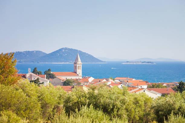 Pakostane, Zadar, Kroatien-Steeple von Pakostane an der Küste von Zadar – Foto