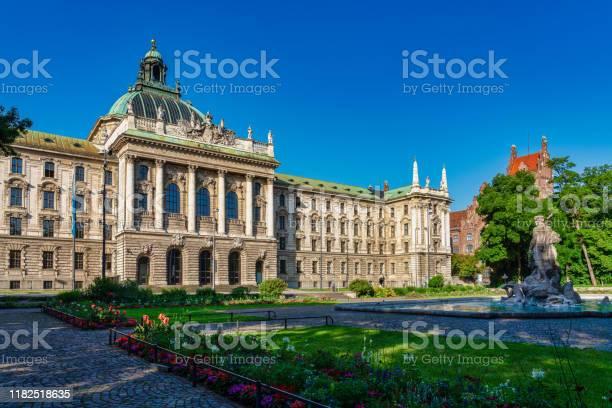 Justizpalast Justizpalast In München Bayern Deutschland Stockfoto und mehr Bilder von Alt
