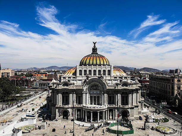 Palacio de Bellas Artes Palacio de Bellas Artes, Mexico City fine art statue stock pictures, royalty-free photos & images