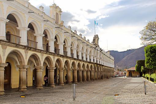 istock Palacio de los capitanes generales - Antigua Guatemala 911885196