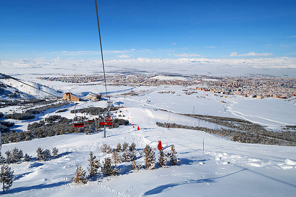 palandoken, erzurum, turkey - mountain skiing and snowboarding - erzurum stockfoto's en -beelden