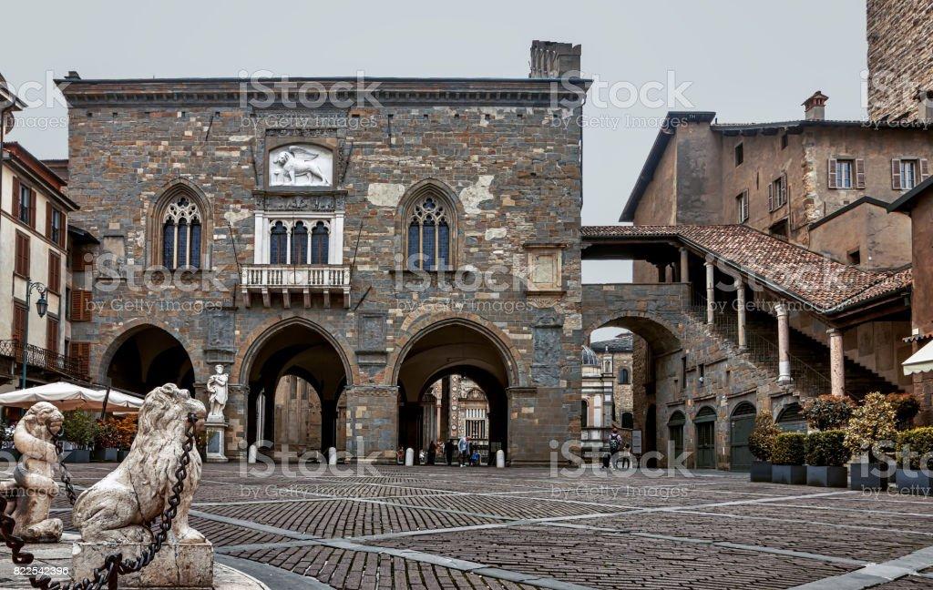 Palazzo della Ragione - Bergamo - Italia - foto de stock