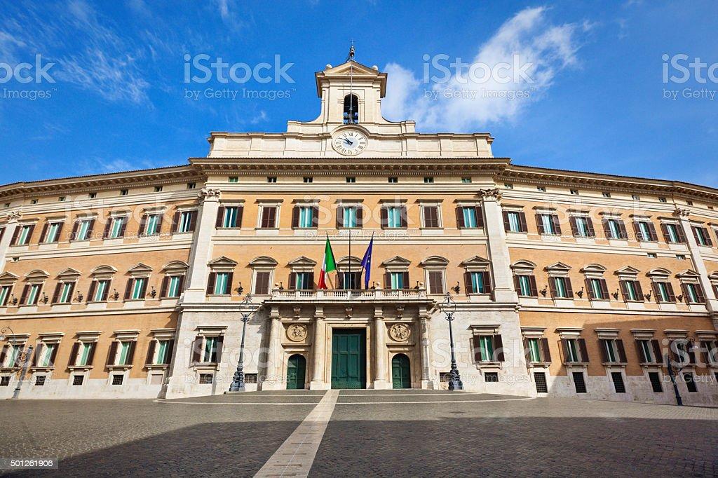 Palazzo Montecitorio, cámara de diputados italiana el Parlamento edificio, Roma, Italia - foto de stock