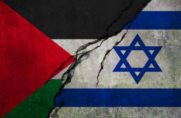 bandeira de palestinas e israelenses, conceito de conflito - israel - fotografias e filmes do acervo