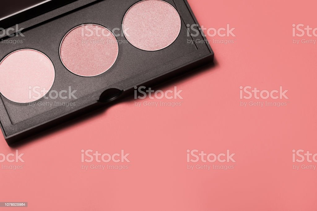Palette of colorful eyeshadows from high view стоковое фото