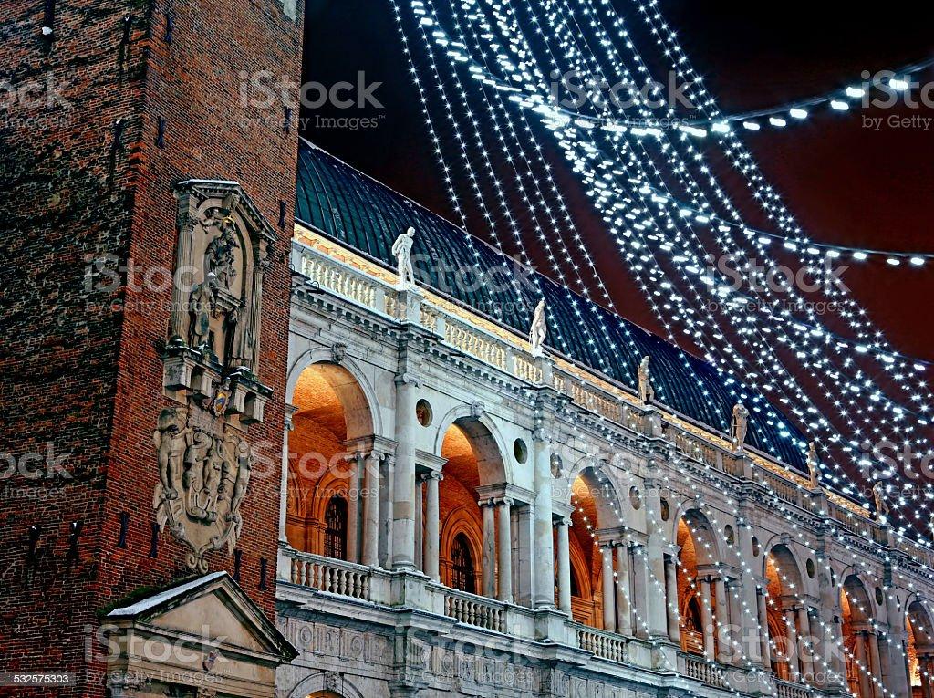 Palladian basilica durante l'inverno di notte - foto stock